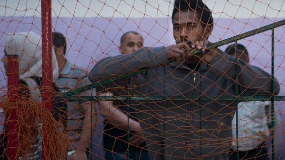 In der Doku Human Flow wird der Zuschauer auf eine Reise durch 23 Länder geführt, die von Flucht betroffen sind. Darunter auch der Gazastreifen.