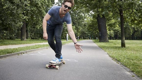 High Five? Der Volkspark Friedrishain ist Christophs Longboard-Teststrecke.