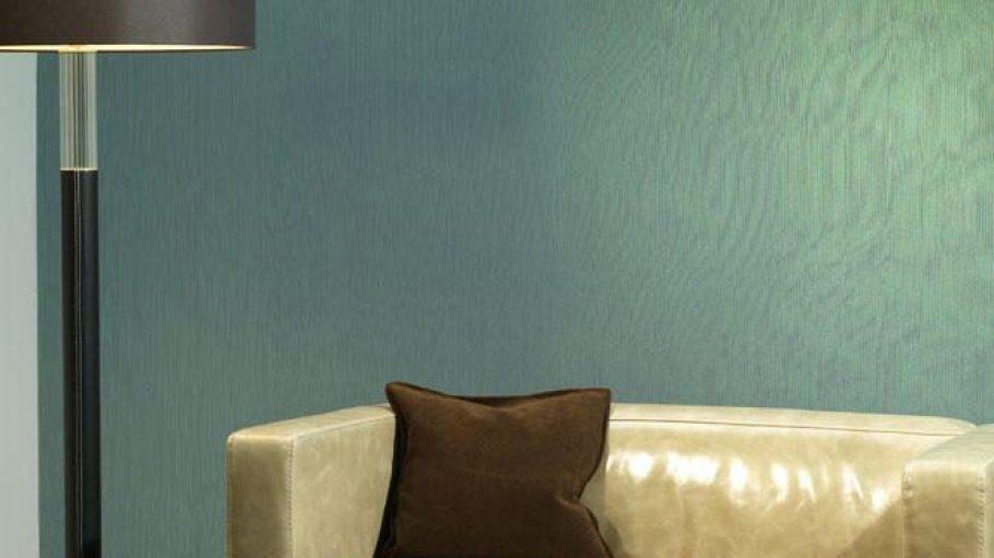 Individuelles für die Wände, hier in schimmerndem Blau-Grün.