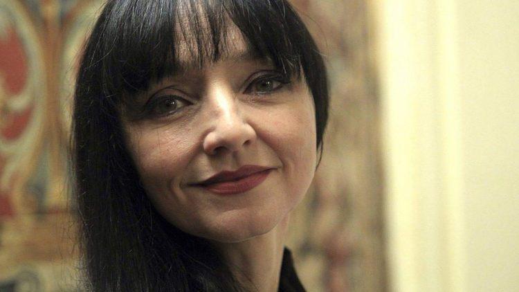 """Na, wer erkennt sie noch? """"Pulp Fiction""""-Star Maria de Medeiros kommt heute Abend als Sängerin nach Berlin."""