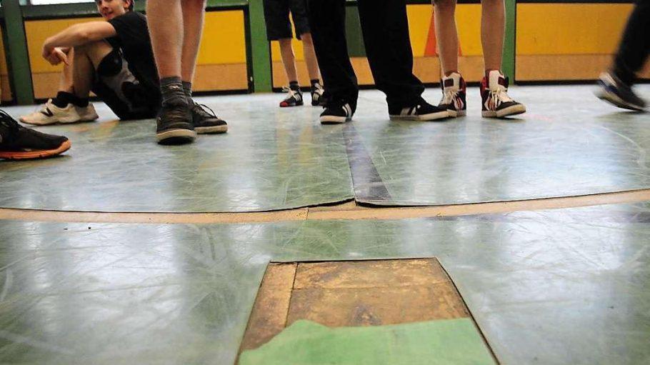 Marode Fußböden gehören zu den Mängeln, die häufig mit Hilfe des 7.000-Euro-Programms behoben werden.