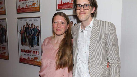 Zum Filmcast gehören auch Rebecca Rudolph (Roberts Freundin Laura) und Daniel Steiner (Sebastian).