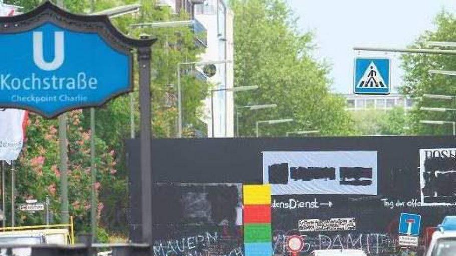 Die Peace Wall. Ein Kunstprojekt, das anlässlich der Biennale entstanden ist und für Ärger im Kiez sorgt.