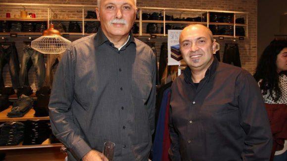 Die Gastgeber des Abends: Emin Cezairli (links) und Serdar Mazmanoglu, die europäischen Vertriebschefs von Mavi.