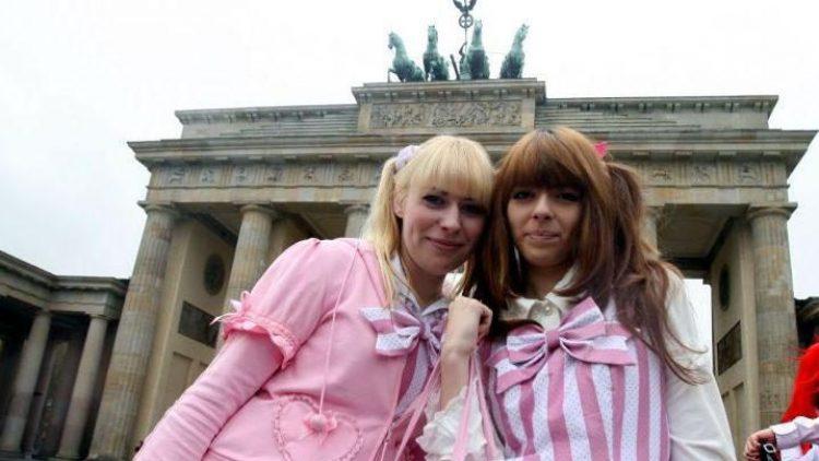 Am Wochenende startet die 7. Mega Manga Convention in Berlin. Also ab in die Cosplayer-Kostüme gehüpft und dann wird abgetaucht in die Welt der Mangas und Animes.
