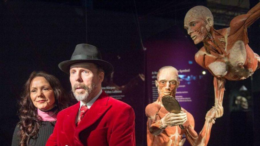 Auch Plastinator Gunther von Hagens und seine Frau Angelina Whalley waren gestern bei der Eröffnung des Menschen Museums dabei. Ab heute kann die Ausstellung besucht werden.