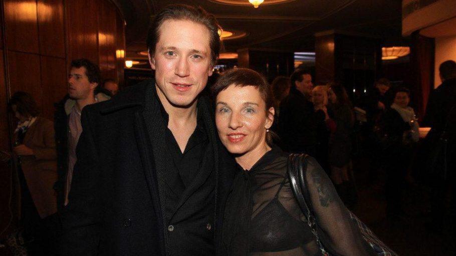 ... die Schauspieler Meret Becker und Timo Jacobs ...