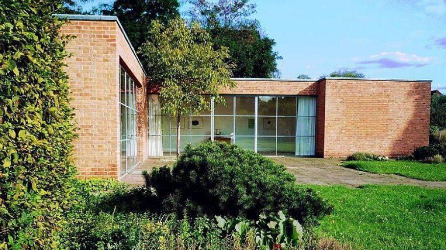 Auch das Mies van der Rohe Haus aus dem Jahr 1933 präsentiert sich am Tag des offenen Denkmals allen interessierten Besuchern.