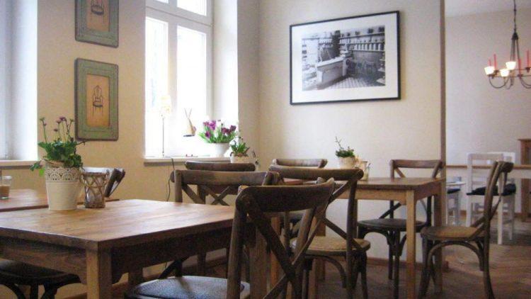 Einmalig auf der Berliner Straße in Pankow - das Café Milchmanns.