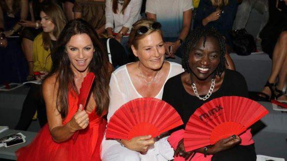 Großer Promiauflauf auch bei der Fashionshow von Minx by Eva Lutz. Mit dabei: Christine Naubauer, Suzanne von Borsody und Aura Obama (v.l.) ...