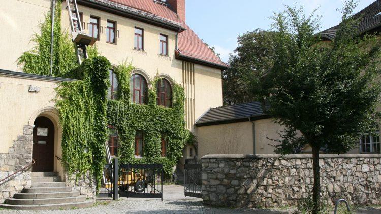 Der Mirbachplatz trägt seinen Namen seit 1902.