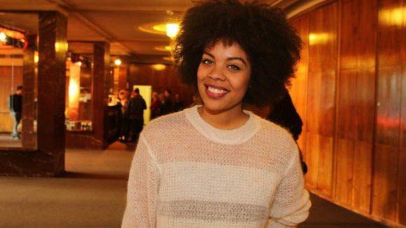 Neben schönen Sängern und Sängerinnen sahen wir auch ebenso ansehnliche Schauspielerinnen unter den Gästen: Jane Chirwa ...