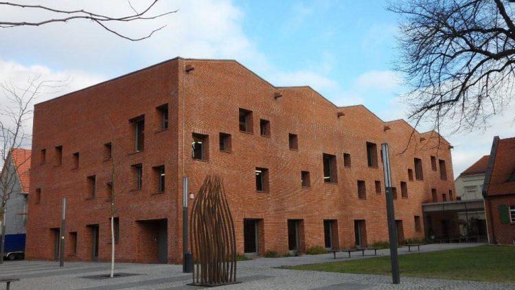 Moderne Lesestätte: Die Mittelpunktbibliothek in Köpenick