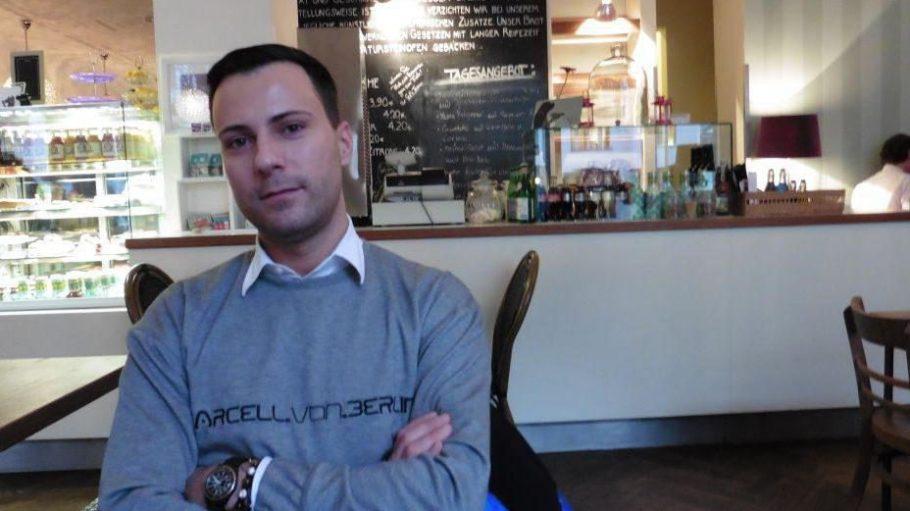 Mit Marcell von Berlin auf einen Kaffee im Sets.