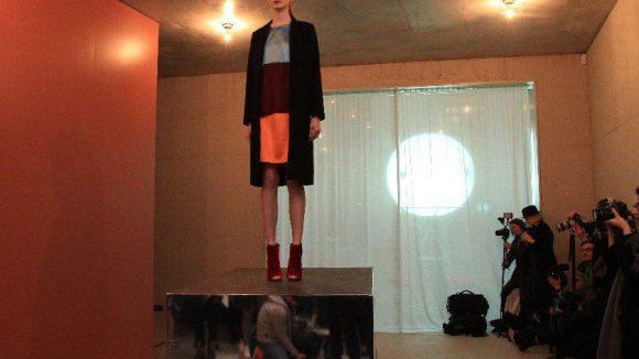 Das Berliner Designer-Duo Perret Schaad zeigte in Mitte.