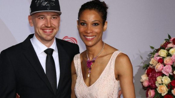 Moderatorin Annabelle Mandeng brachte ihren Freund Matthias Pieper mit.