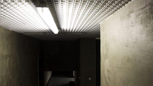 Keine Angst vor düsteren Räumen! Die Inszenierung Rhizomat hat Besucher schon zum Weinen und Abbrechen gebracht. Allerdings die wenigsten...