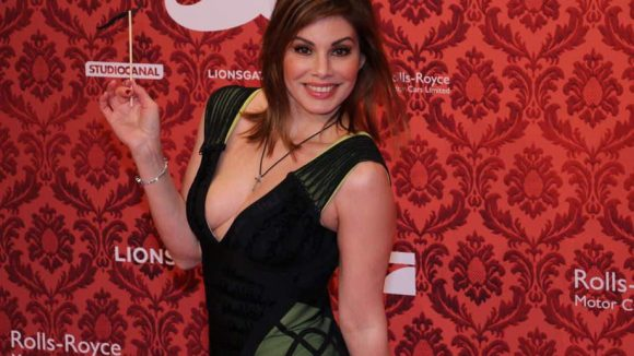 """Ex-""""Bachelor""""-Kandidatin Daniela Michalski kann gut mit Kameras - auch auf dem roten Teppich."""