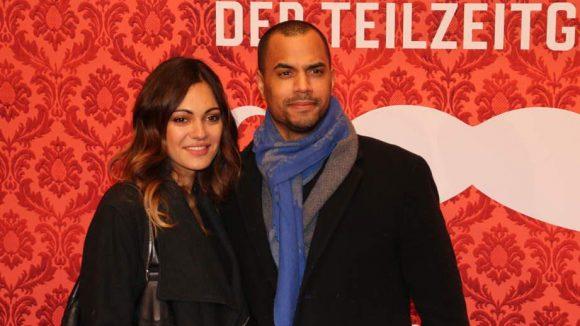 Moderator Patrice kam mit Schauspielerin Nilam Farooq (auch als Daaruum bekannt) zur Premiere.