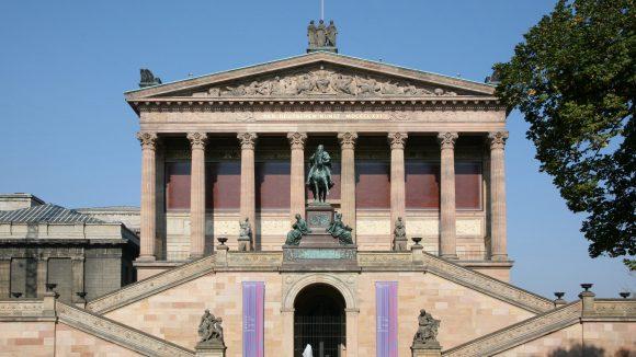 Die Alte Nationalgalerie ist ein Kunstmuseum, das zum Ensemble der Museumsinsel gehört.