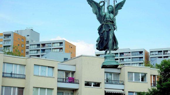 Victoria, die Figur der Friedenssäule auf dem Mehringplatz.
