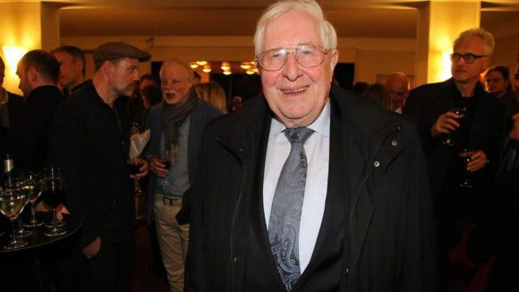Zu den Gästen gehörte Polit-Prominenz wie der ehemalige thüringische Ministerpräsident Bernhard Vogel (CDU).