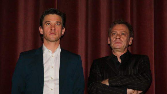 """Im Delphi Filmpalast feierte die filmische Neuinterpretation des Romans """"Nackt unter Wölfen"""" von Bruno Apitz Premiere. Zwei der Hauptdarsteller, Peter Schneider (l.) und Sylvester Groth, waren mit dabei."""