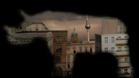 Berlin in Form eines Nashorns: Die Jungs von Kamerapferd haben stets Ideen, wie sie ihrer Kreativität freien Galopp - äh pardon, Lauf lassen können.