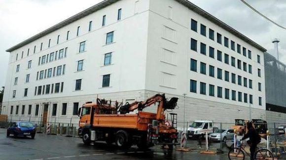 Am Montag wird das BND-Verwaltungsgebäude an der Chausseestraße in Mitte bezogen.