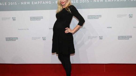 Damen gab es natürlich auch. Etwa die schwangere Feo Aladag ...