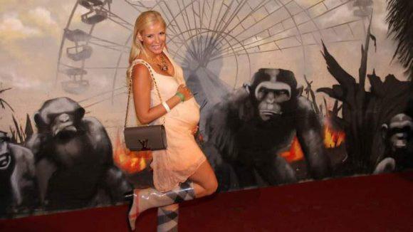 """Zeigte stolz ihren Babybauch: Oksana Kolenitchenko (""""DSDS"""")."""