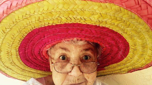 Langeweile im Alter? Das muss nicht sein! Gerade in Berlin kann man auch im Rentenalter ein ziemlich buntes Leben führen.