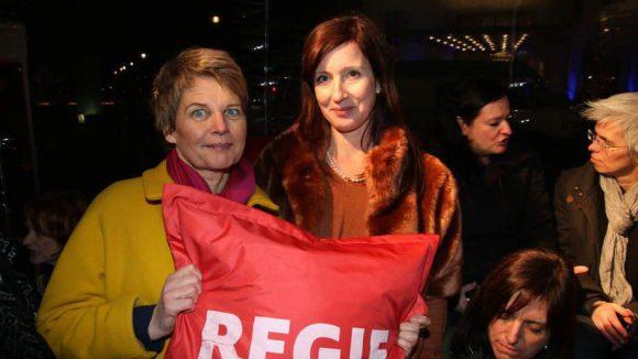 """Bei der Berlinale ist bekanntlich nicht nur Spaß und Party angesagt. In einer """"Bubble"""" am Potsdamer Platz geht es um das Thema Frauenquote. Nur gut ein Viertel der beim Filmfestival gezeigten Werke sind von Frauen. Darauf aufmerksam machen zwei Regisseurinnen: Imogen Kimmel (l.) und Katinka Feistl."""