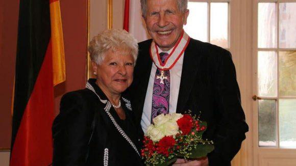 Ebenfalls ausgezeichnet: Otfried Laur leitet den von ihm und seiner Frau Reni 1967 gegründeten Berliner Theaterclub e. V..