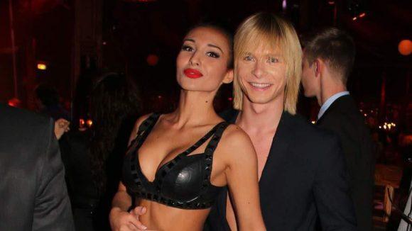 """Das Hochseilartisten-""""Duo Ars"""" besteht aus Anastasia Nasridinova und Sergey Maliutin. Sie sind auch Teil der Palazzo-Show."""
