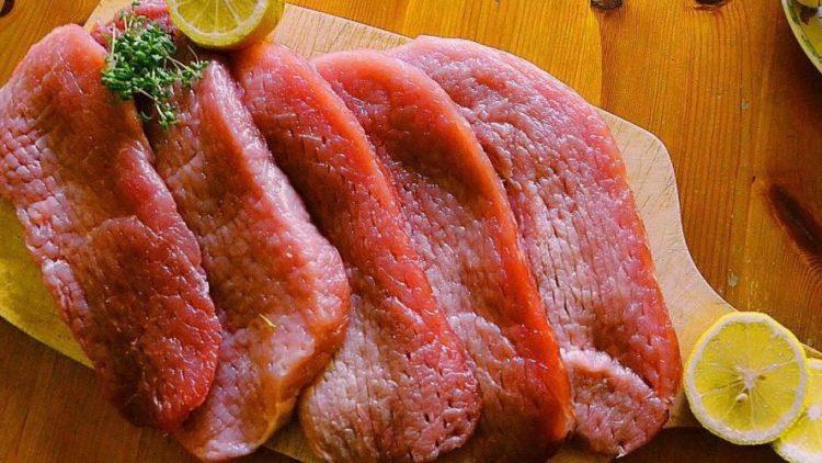 Im Gegensatz zu gängigen Vorurteilen umfasst die Paleo-Küche noch viel mehr als rohes Fleisch.
