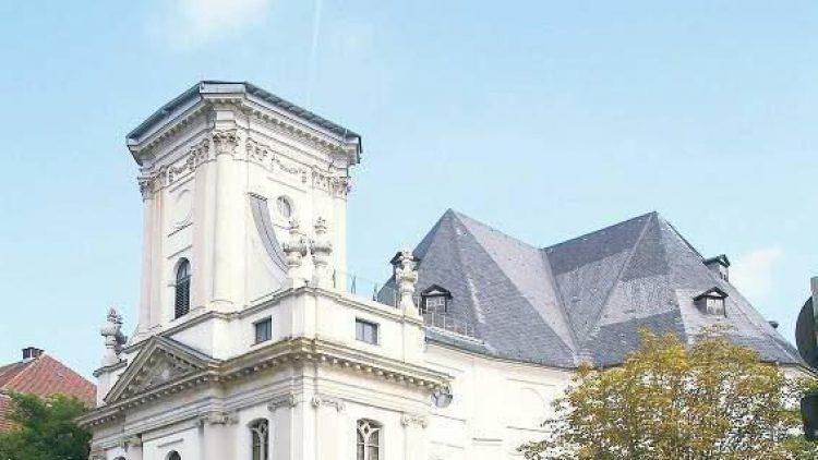 Doppelt so hoch: Die Parochialkirche soll ihren Turm und ihre Glocken zurückbekommen