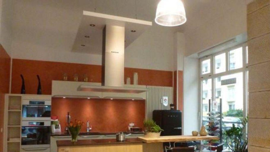Eine Küche mit Keramik-Arbeitsplatte? Gibt's bei Peter Baumgarten Einrichtungen.