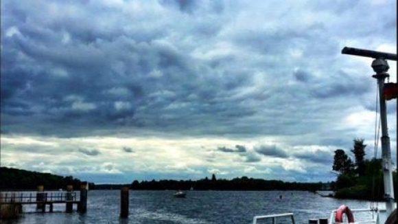 Auch ein paar Wolken können der Schönheit der Insel nichts anhaben.