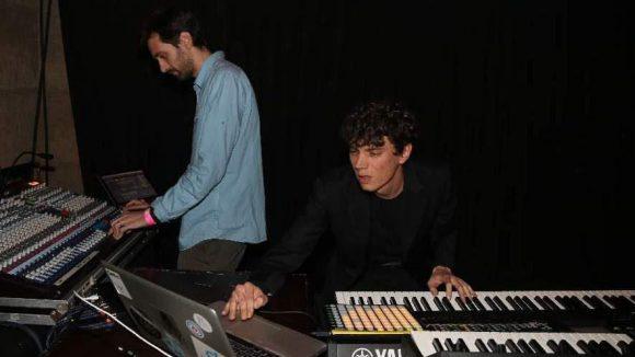 Im Anschluss spielte der luxemburgische Pianist und Produzent Franceso Tristano live.