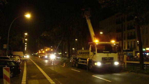 Nachteinsatz: Manchmal rückt Pietz Baumdienst aus, wenn der Tramverkehr ruht.