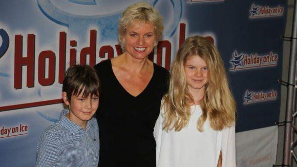 n-tv-Moderatorin Carola Ferstl hatte ihre Kinder Georg und Lilly dabei.