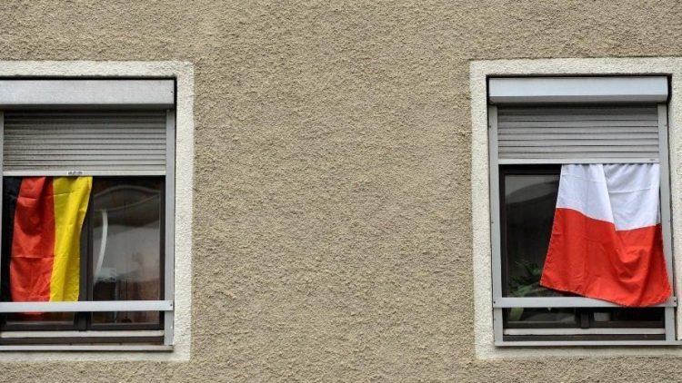 Bald ist es soweit: Die EM lässt auch in Berlin Deutsche und Polen ganz eng zusammenrücken. Zum gegenseitigen Kennenlernen empfiehlt QIEZ die perfekten Adressen.