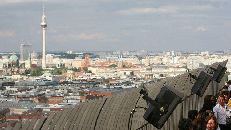 Vom Aussichtspunkt auf dem Kollhoff Tower hat man einen herrlichen Blick in alle Richtungen.