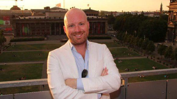 Macht die PR für Clinton: Chris Götz auf der Dachterrasse der Humboldt-Box.