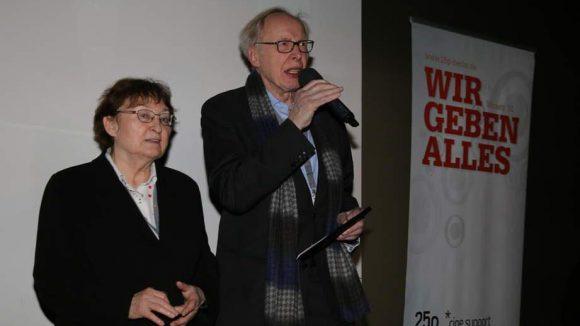 Ein Ehrenpreis für ihre langjährige filmkritische und -historische Arbeit ging an Erika und Ulrich Gregor.