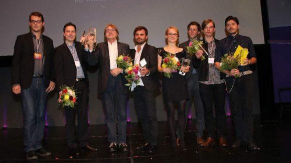 Hier haben wir alle Preisträger auf einen Blick (v.l.n.r.): Sebastian Cordes, Pascal Flörks, Heinz Badewitz, Stefan Bohun, Julia Hönemann, Maximilian Haslberger, Andreas Bruns und Damian John.