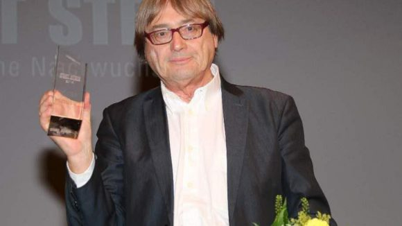 Der First Steps Ehrenpreis 2014 ging an Heinz Badewitz, Chef der Hofer Filmtage.