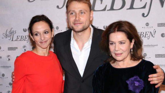 """""""Die Elsner"""" mit weiteren Darstellern: Sharon Brauner und Max Riemelt, der den jungen Jonas spielt."""