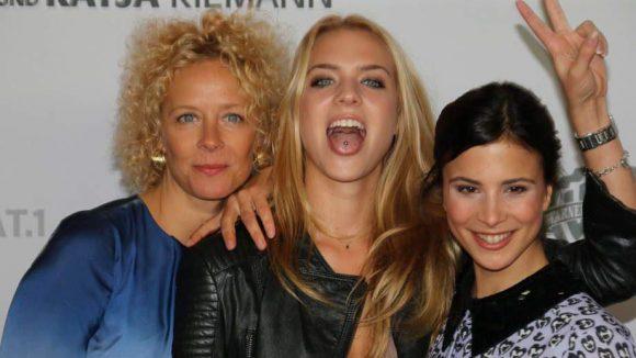 Und hier die hübsche Aylin nochmel mit Katja und Tochter Paula Riemann (Mitte).